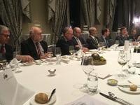 Parlamentarische Gruppe linke Tischseite
